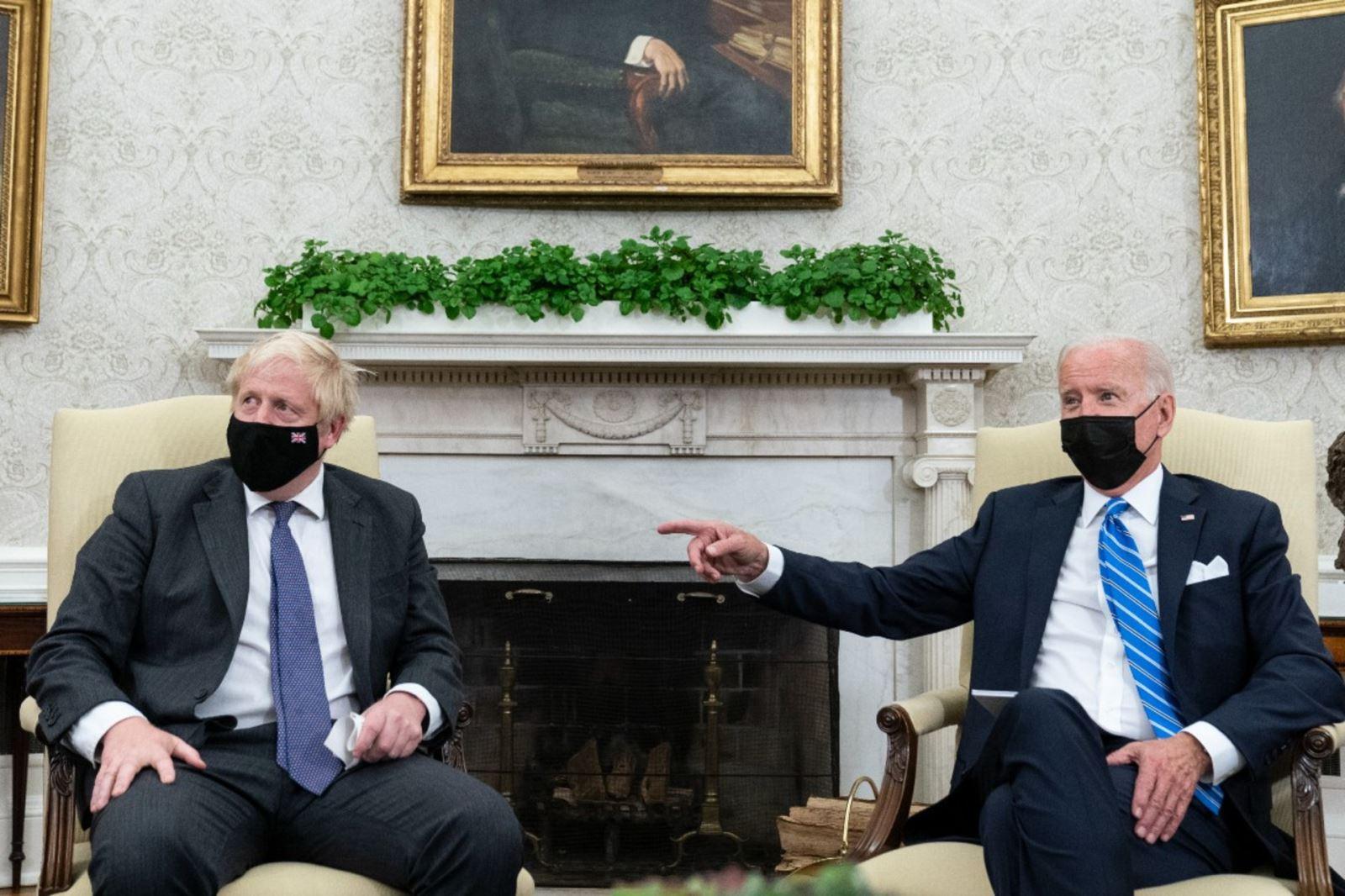 Tổng thống Mỹ Joe Biden phát biểu trong cuộc họp với Thủ tướng Anh Boris Johnson tại Nhà Trắng ngày 21-9. Ảnh: AP
