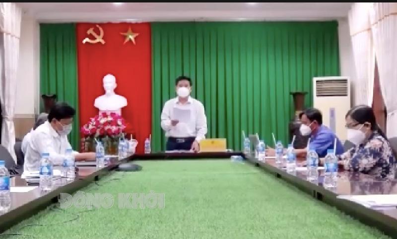 Phó giám đốc Sở NN&PTNT Nguyễn Văn Buội phát biểu tại hội nghị trực tuyến.
