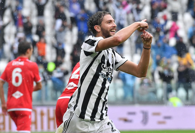 Locatelli tỏa sáng giúp Juventus chiến thắng