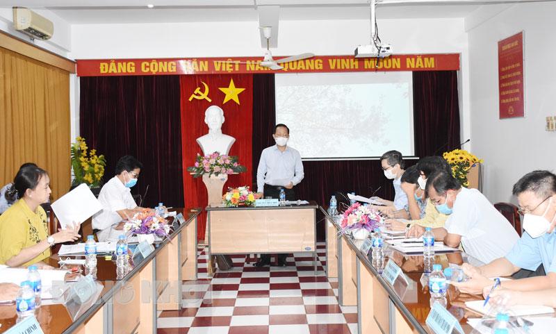 Phó chủ tịch Thường trực UBND tỉnh làm việc với lãnh đạo sở, ngành và các địa phương.