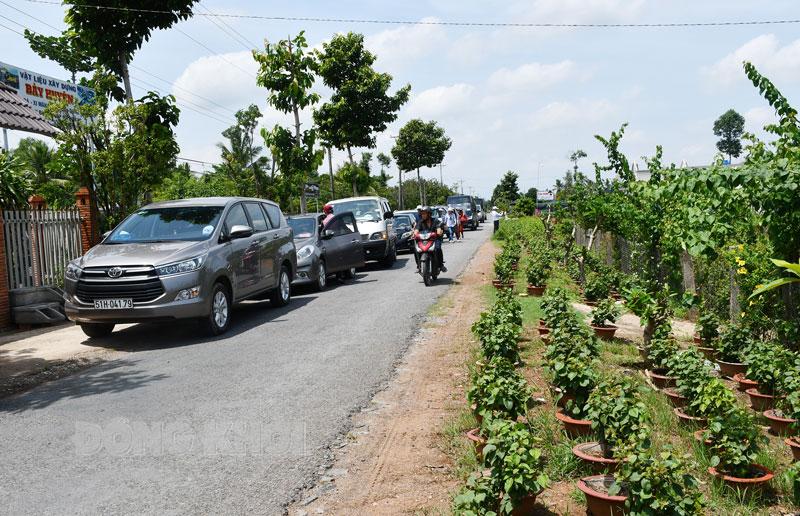 Đường nông thôn mới xã Vĩnh Thành, huyện Chợ Lách. (Ảnh tư liệu)
