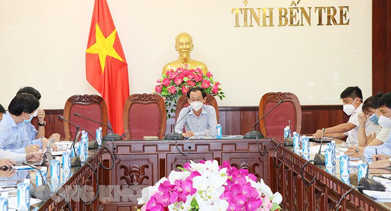 Phó chủ tịch UBND tỉnh Nguyễn Minh Cảnh chủ trì buổi họp.