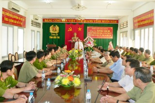 Bí thư Tỉnh ủy Huỳnh Văn Be thăm, chúc Tết lực lượng vũ trang
