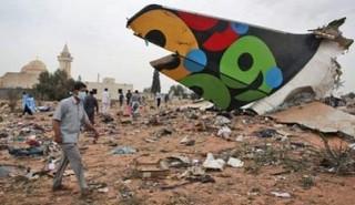 Máy bay chở 104 người rơi ở Libya, một bé trai 8 tuổi sống sót