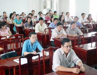 Tập huấn nghiệp vụ cho cán bộ công đoàn cơ sở