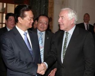 Thủ tướng thăm Tòa án Công lý quốc tế tại Hà Lan