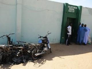 Các tay súng giải thoát gần 200 tù nhân ở Nigeria
