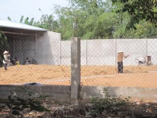 Một cơ sở sản xuất chỉ xơ dừa tại xã An Thạnh gây ô nhiễm
