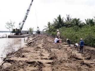 Người dân Tam Hiệp mong muốn công trình đê bao sớm hoàn thành