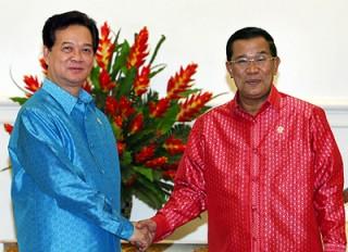 Thủ tướng Nguyễn Tấn Dũng gặp Thủ tướng Campuchia