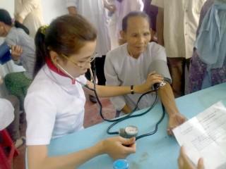 Trung đoàn 1 Đồng Tháp tổ chức khám, chữa bệnh phát thuốc miễn phí tại xã Thành An