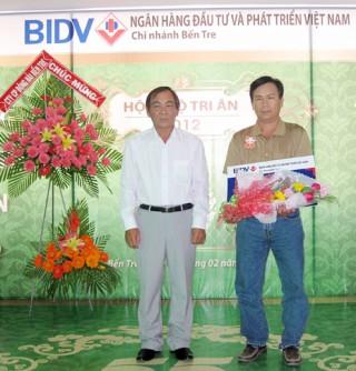 Góp sức dựng xây quê hương Đồng Khởi
