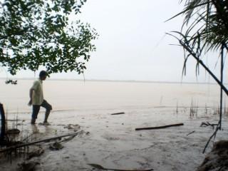 Thạnh Phú: Bức xúc nạn khai thác cát trái phép