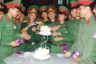 Tăng cường công tác giáo dục chính trị tư tưởng trong Lực lượng Vũ trang