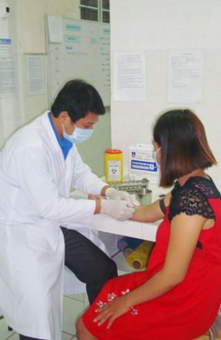 Tư vấn, xét nghiệm, giới thiệu điều trị dự phòng HIV tại trạm y tế