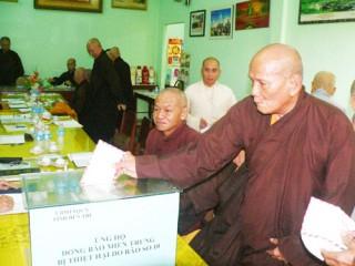 Ban Trị sự Giáo hội Phật giáo tỉnh ủng hộ đồng bào bị bão, lũ ở miền Trung