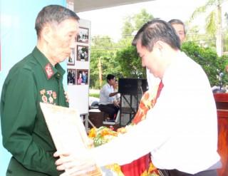 Kỷ niệm trọng thể 54 năm Ngày Bến Tre Đồng Khởi và 84 năm Ngày thành lập Đảng Cộng sản Việt Nam