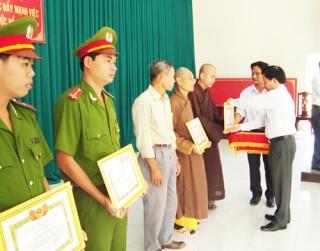 Mỏ Cày Bắc sau 3 năm thực hiện Chỉ thị 03 của Bộ Chính trị (khóa XI) về tiếp tục học tập và làm theo tấm gương đạo đức Hồ Chí Minh
