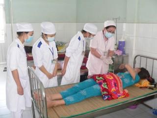 Các tuyến y tế cơ sở chủ động tiêm phòng, ngăn ngừa bệnh sởi