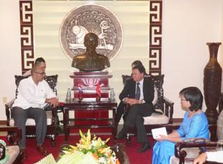 Chủ tịch UBND tỉnh tiếp Đại sứ Đặc mệnh toàn quyền Cộng hòa Cuba tại Việt Nam