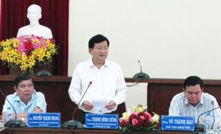 Bộ trưởng Bộ Xây dựng Trịnh Đình Dũng thăm và làm việc tại Bến Tre