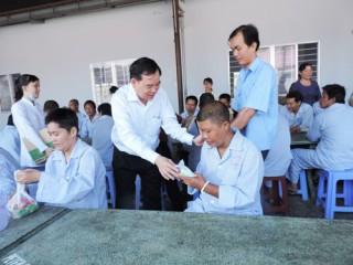 Lãnh đạo UBND tỉnh thăm và chúc Tết các trung tâm bảo trợ