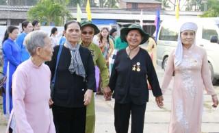Họp mặt kỷ niệm Ngày Quốc tế Phụ nữ 8-3