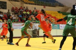 Đè bẹp Indonesia, tuyển bóng ném nữ VN vô địch Đông Nam Á