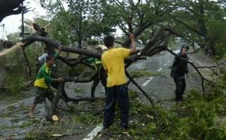 Siêu bão Koppu tàn phá Philippines