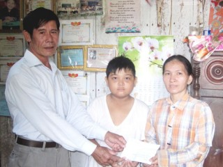 Bạn đọc hỗ trợ cho cháu Phạm Thanh Hậu ở xã Mỹ Chánh