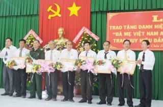 136 mẹ được phong tặng, truy tặng danh hiệu Bà mẹ Việt Nam anh hùng