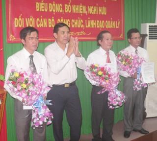 Trao quyết định bổ nhiệm, bổ nhiệm lại cán bộ lãnh đạo các sở, ngành tỉnh