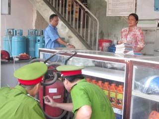 Kiểm tra công tác phòng cháy, chữa cháy tại các chợ, khu dân cư