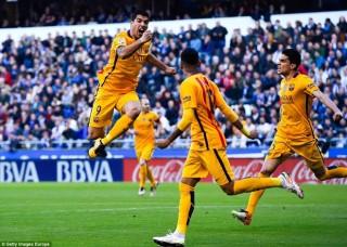 Luis Suarez ghi 4 bàn, Barcelona thắng vùi dập Deportivo 8-0