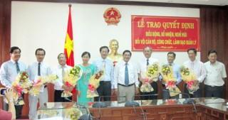 Trao quyết định bổ nhiệm lại, nghỉ hưu đối với cán bộ, công chức, lãnh đạo quản lý