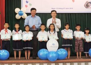 48 học sinh nhận học bổng của Quỹ trợ vốn CEP