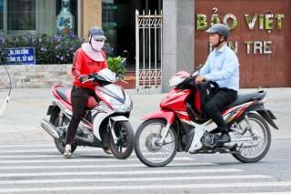 Cần chấn chỉnh tình trạng vi phạm điều khiển xe mô-tô, xe gắn máy trên hè phố