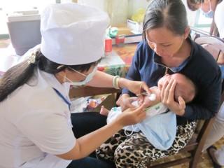 Sau khi tiêm ngừa, trẻ cần được chăm sóc sức khỏe chu đáo