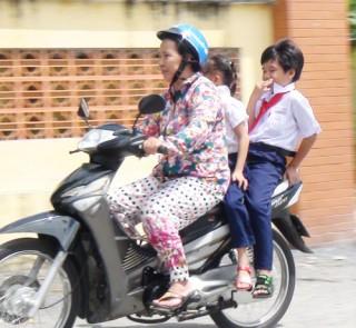 Tăng cường công tác tuyên truyền về an toàn giao thông cho thanh niên, học sinh