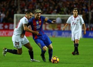 Messi tỏa sáng, Barca ngược dòng đánh bại Sevilla