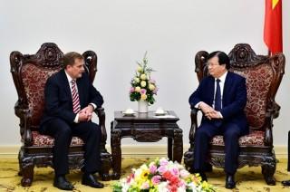 Phó Thủ tướng Trịnh Đình Dũng tiếp Phó Chủ tịch Tập đoàn ExxonMobil (Hoa Kỳ)