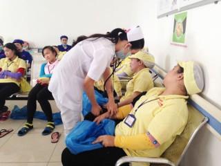 80 công nhân nhập viện nghi do ngộ độc thực phẩm