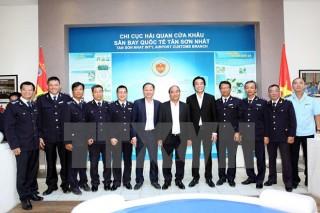 Thủ tướng yêu cầu hải quan tạo thuận lợi cho kiều bào về nước ăn Tết