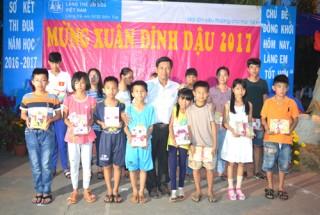 Làng Trẻ em SOS Bến Tre mừng xuân Đinh Dậu