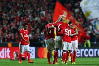Aubameyang đá hỏng phạt đền, Dortmund thua sát nút Benfica