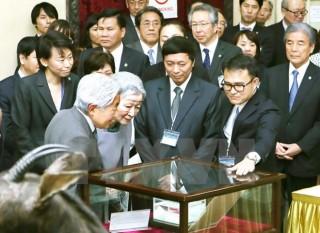 Nhà vua và Hoàng hậu Nhật Bản tham quan Bảo tàng Sinh học