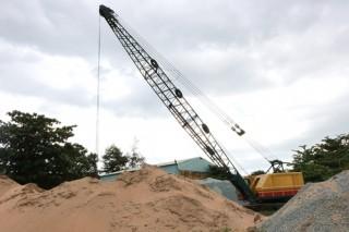 Kéo giảm giá cát, đẩy mạnh tiến độ các công trình