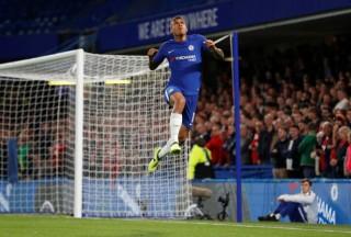Chelsea và M.U dễ dàng vào vòng 4 Cúp Liên đoàn Anh