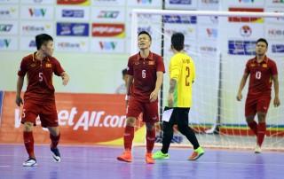 Futsal VN thua sốc Malaysia 1-5 trên sân nhà