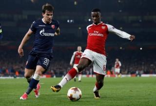 Arsenal đoạt vé đi tiếp dù bị Zvezda cầm chân